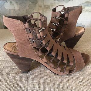 Vince Camuto Women's Eliaz Leather Peep Toe Shoe